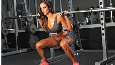 Tonificare gambe e glutei con squat e LES MILLS