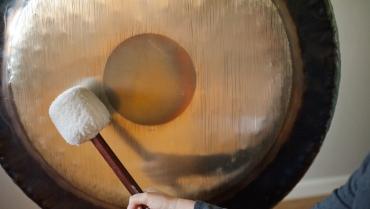 Bagno di Gong, il massaggio sonoro che aiuta a riconquistare l'equilibrio naturale