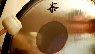 Alla scoperta dei poteri curativi del Gong e della sua efficacia nello Yoga