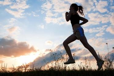 Attività fisica: bastano 100 minuti a settimana per prevenire invecchiamento e malattie croniche
